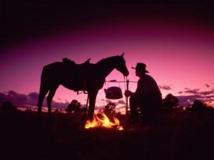 campfire_cowboy_Wild_West_Even_2560x1920_wallpaperhi.com